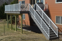 Deck-with-Aluminum-Rail-2