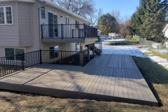 Two-Tier-Vinyl-Deck-with-Aluminum-Railing